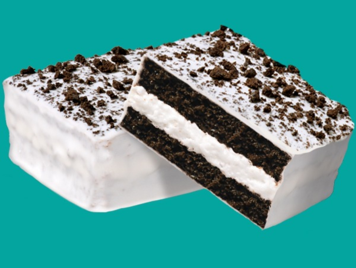Little Debbie® Cookies and Creme Cake