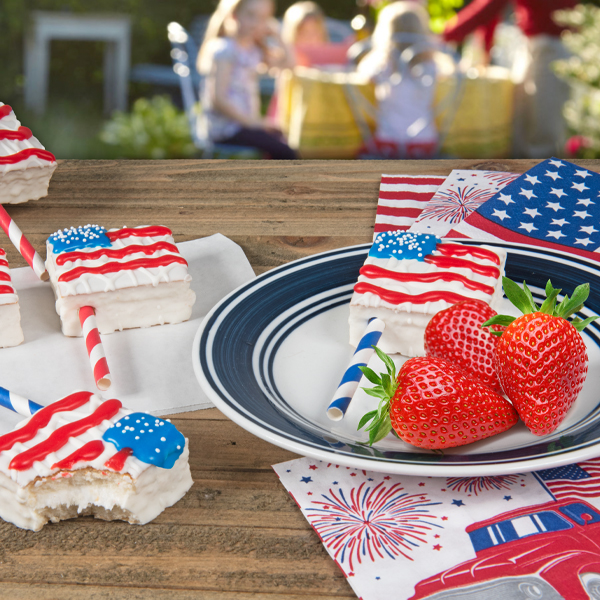 Red, White and Fancy Cakes: Celebrating Independence Day Sweetly!